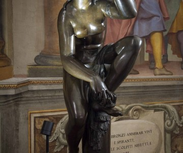 Florence, in Palazzo Pitti all the power of the Baroque bronze between eros and sacred